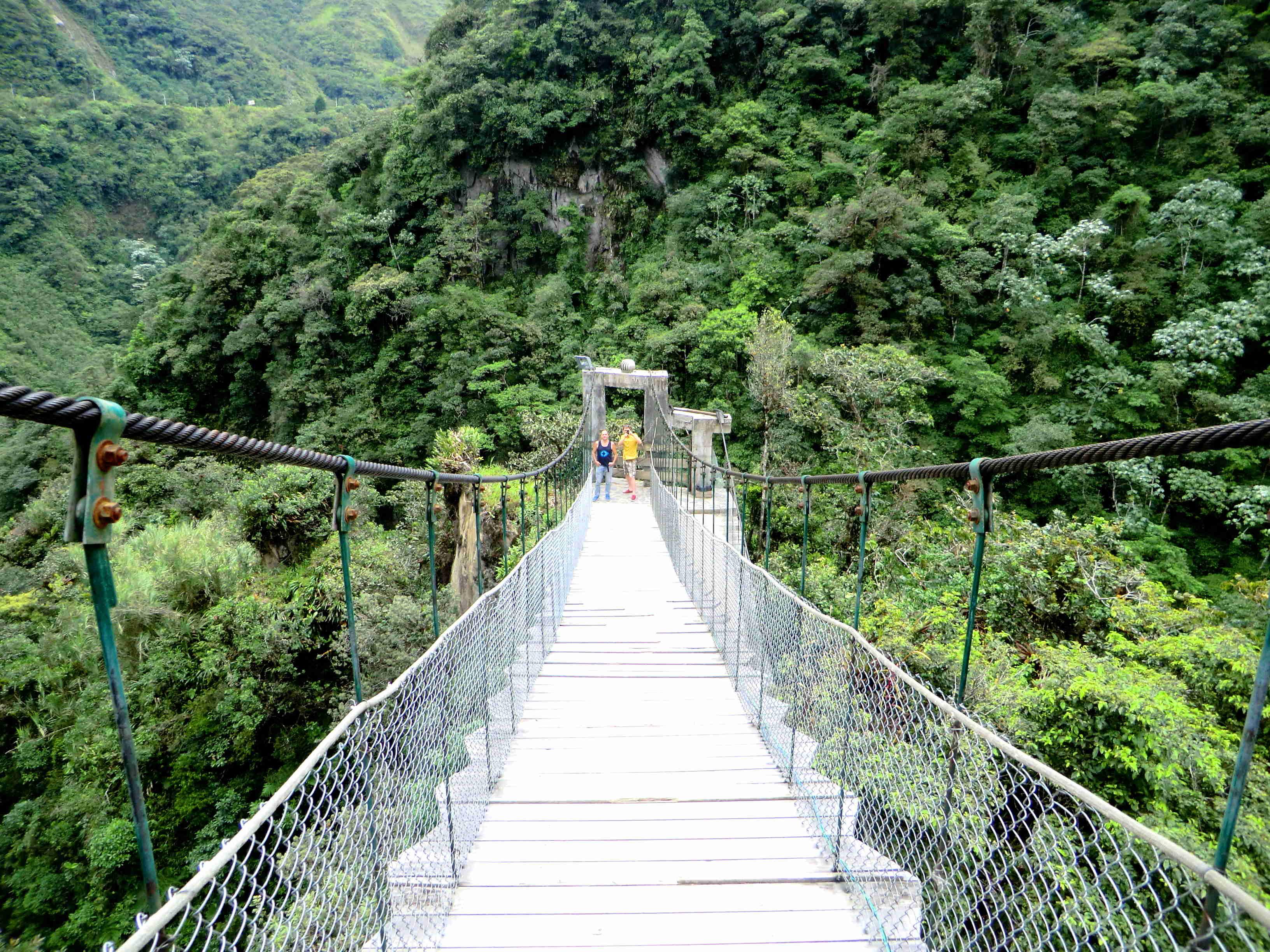 Rio Verde подвесной мост над Pailón del Diablo