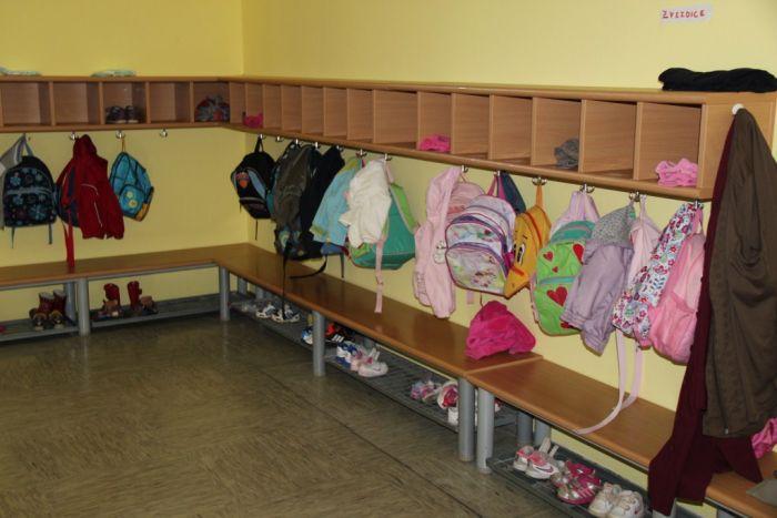 Детский сад в Словении раздевалка
