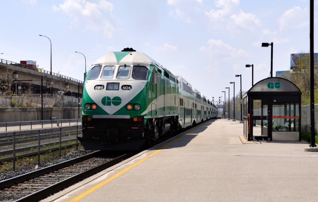 GO_Transit_diesel_locomotive