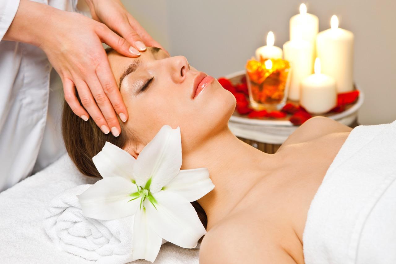 Массаж онлайн массаж, видео секс с накаченной женщиной