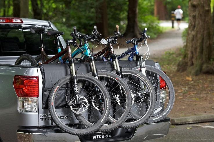 thailand-pickup-motor-bikes01