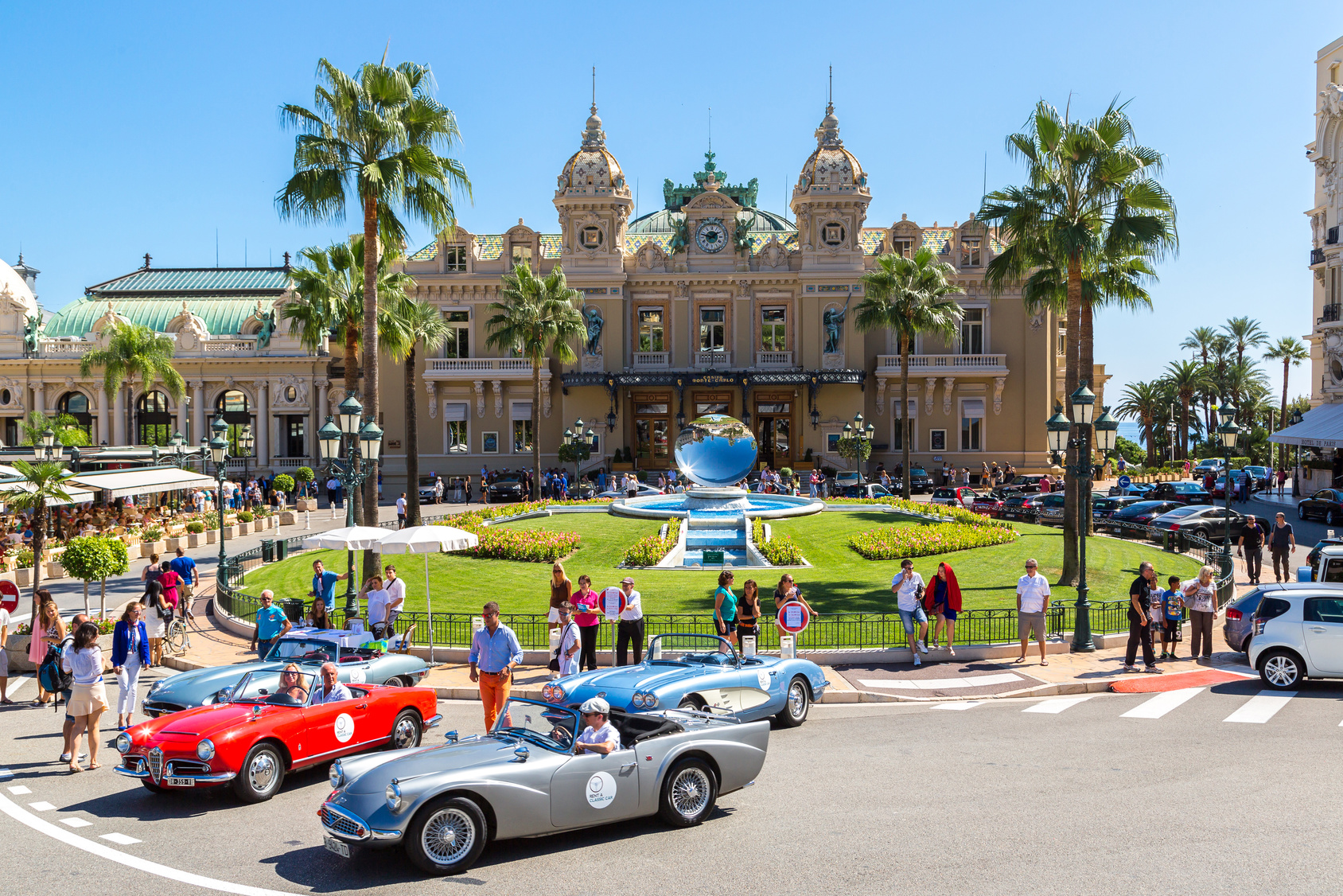 MONTE CARLO - JULY 17: Grand casino in Monte Carlo in Monaco in a summer day on July 17, 2014
