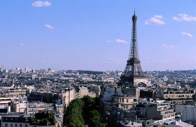 страховка во франции, страховой полис во франции, страхование во франции
