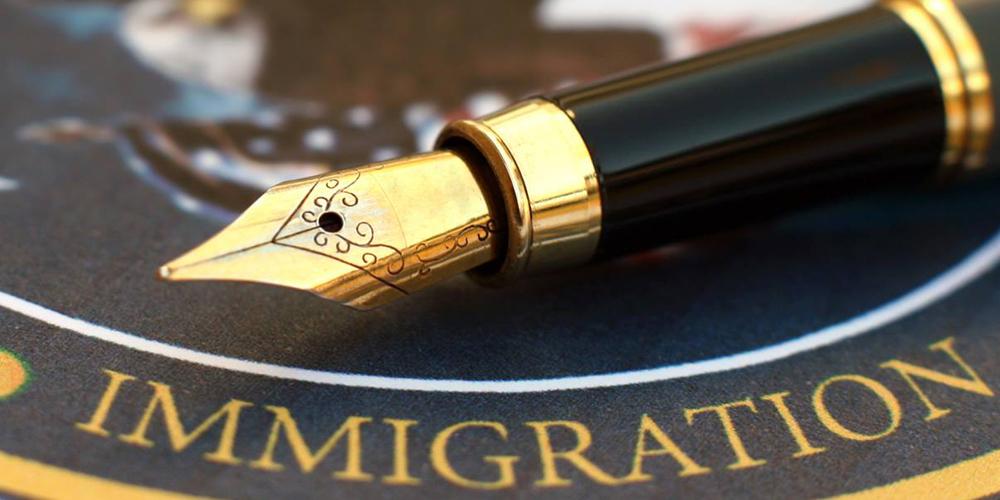 В США остановлено действие «иммиграционных указов» президента