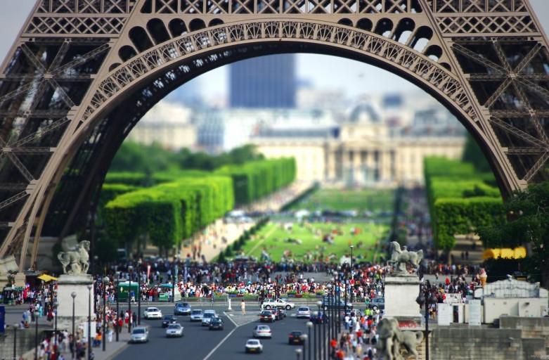 поехать во францию