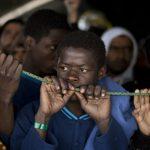 Австрия не намерена принимать мигрантов