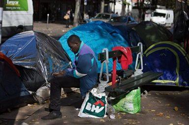 Из парижских лагерей беженцев выселено почти две тысячи человек