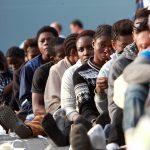 Странам ЕС предстоит принять еще 10 тысяч беженцев из Италии и Греции