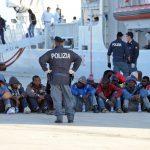 Число мигрантов в Италии сократилось на 30% с начала года