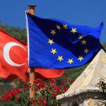 Турция рассчитывает получить от Евросоюза 3 млрд евро на беженцев в 2018 году