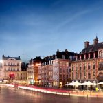 Во Франции мигранты наехали на полицейских: подробности инцидента