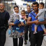 Германия готова заплатить мигрантам за возвращение на родину