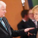 Раскол Германии из - за конфликта Меркель и Зеехофера всё ближе