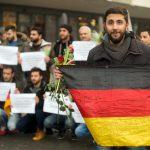 В Германии меньше нападают на мигрантов