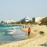 Почему население Туниса бежит из страны