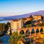 Сокращение расходов на мигрантах позволяет Италии хорошо сэкономить