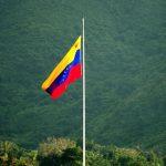 Президент Венесуэлы требует денег с Колумбии