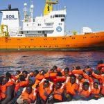 Франция, Испания, Португалия примут беженцев с Aquarius