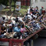 Караван мигрантов идущих в США попросил убежище в Мексике