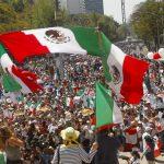 Жители Мексики протестуют против каравана мигрантов